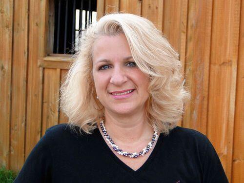 #FollowFriday: Liz Reusswig