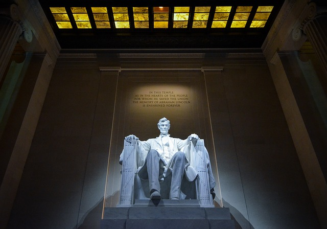 4 Communications Lessons from Abraham Lincoln