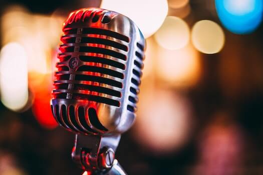 How to Create a Successful Podcast By Pulling Out Exceptional Stories